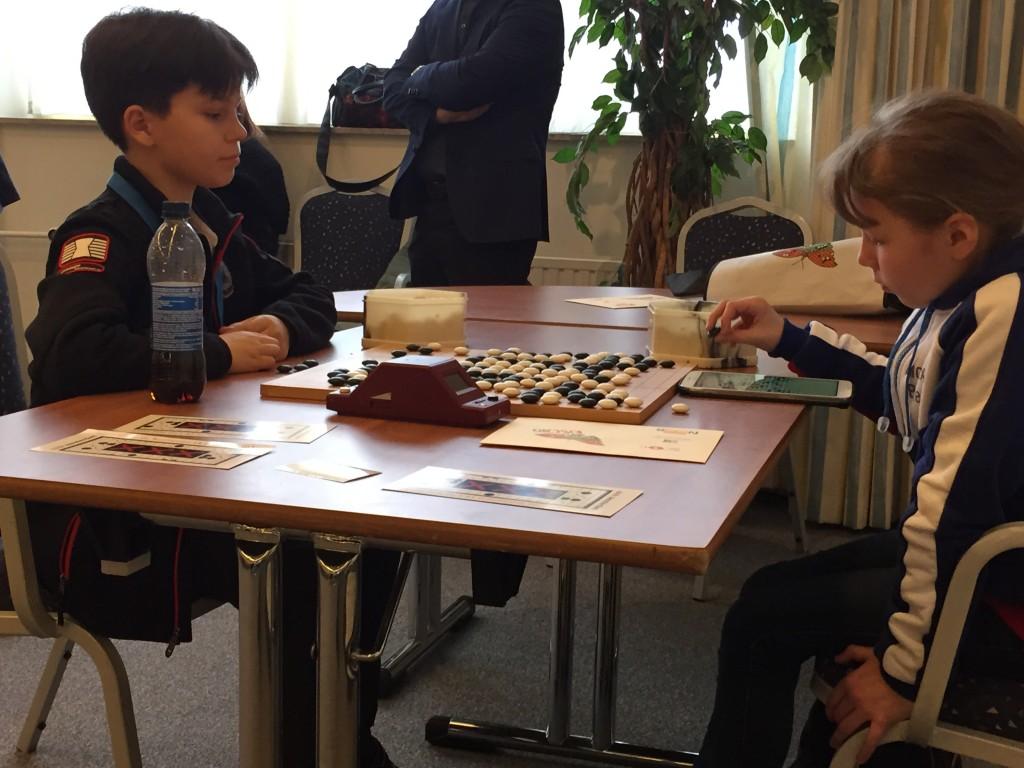 Денис Добранис и еще одна российская участница.
