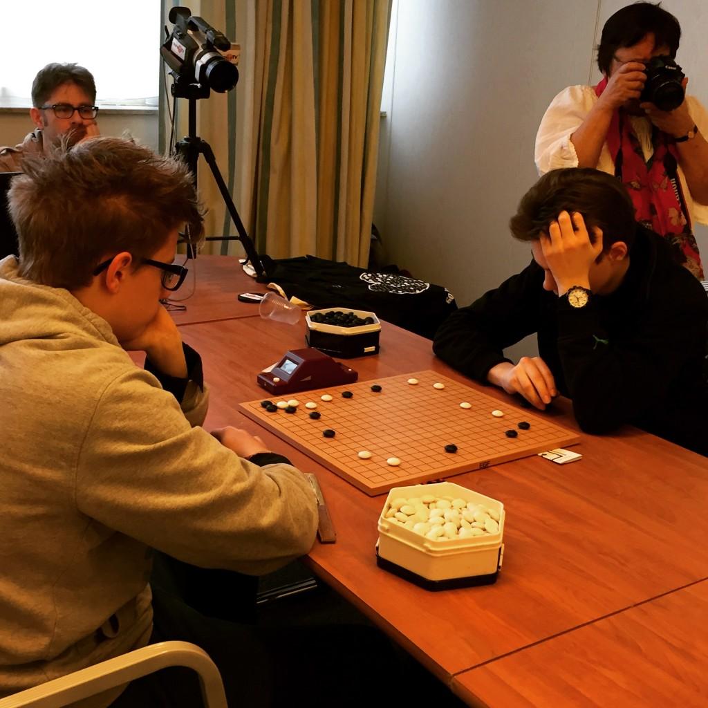 Иоганнес Валька играет финальную партию со Степаном Поповым