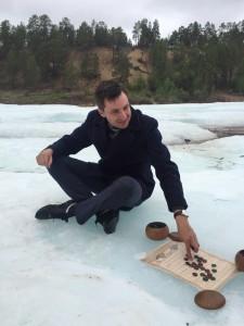 разыгрываем партию Го на леднике